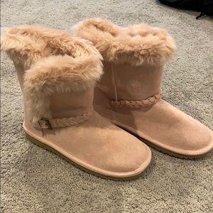 NWOT Furry Boots